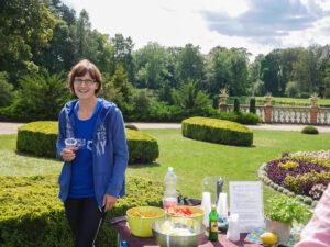 Steffi im Schlosspark